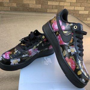 🆕 Nike Airforce 1 '07 LXX
